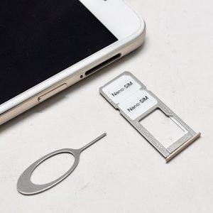 Samsung A7 Sim Slot